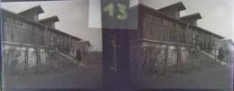 GORNESTI, Mures, Transylvania :  L''Hôtel.  Vers 1900. Plaque Verre Stéréoscopique, Négatif. Transylvanie - Plaques De Verre