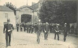 SAINT CYR L'ECOLE - école De Saint Cyr, L'entrée. - St. Cyr L'Ecole