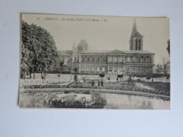 LISIEUX - Le Jardin Public Et Le Musée  Ref 2343 - Lisieux