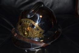 Très Beau Casque Mle 1926 D'officier De Sapeurs Pompier Ville De Thoirette - Firemen