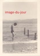 Photo Ancienne  JEUNE HOMME MAN MEN TORSE NU EN MAILLOT DE BAIN - Personnes Anonymes