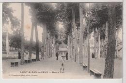 42 - SAINT ALBAN Les EAUX - Dans Le Parc - Francia