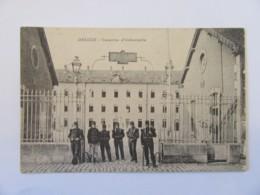 Decize (Nièvre) - Caserne D'Infanterie - Carte Animée (militaires), Non-circulée - Decize