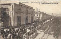 Cpa Belfort, Sortie Des Ouvriers De La Société Alsacienne De Constructions Mécaniques - Belfort - Ciudad