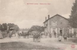MATHAUX - L'AVENUE DE LA GARE - BELLE CARTE - SEPIA - TRES TRES ANIMEE - CAFE-RESTAURANT, CALECHES,ATTELAGE, UN ANE, TOP - France