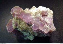 Fluorite On Matrix ( 3 X 2.5 X 2 Cm)  Melisey - Haute-Saône, Bourgogne-Franche-Comté, France - Minéraux