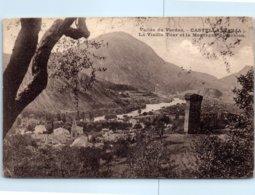 04 - CASTELLANE  -- La Vieille Tour Et La Montagne - Castellane