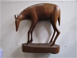 Antilope En Bois - Cornes Cassées - Hauteur : 30 Cm.  C 22 - Afrikanische Kunst