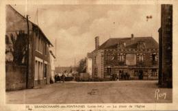 CPA RARE GRANDCHAMPS DES FONTAINES LA PLACE DE L'EGLISE - France