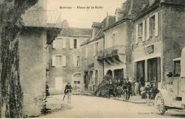 46  Salviac  Place De La Halle - Salviac
