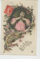 """ENFANTS - LITTLE GIRL - MAEDCHEN - Jolie Carte Fantaisie Portrait Fillette Avec Fleurs Et éventails """"Bonne Fête """" - Portraits"""