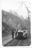AUTOMOBILE FAISANT LA ROUTE CHARTRES LE BARCARES 1938 PHOTO ORIGINALE FORMAT 9 X 6 CM - Automobiles