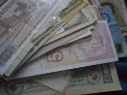 LOT BILLETS TOUS PAYS CIRCULES PLUS DE 100 Piéces - Munten & Bankbiljetten