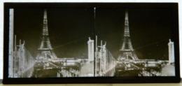Plaque De Verre Stéréo - Paris - Expo 1937 - Illuminations - Illumination Tour Eiffel La Nuit - Glasdias