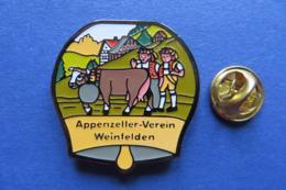 Pin's,APPENZELLER VEREIN WEINFELDEN,vache,vacca,Kuh,tradition,limité - Pin's