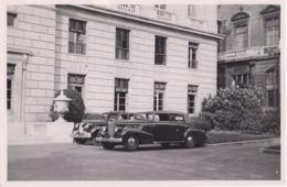 Ancienne Photo ( Années 1940 / 1950 ) Belle Automobile Cadillac Spéciale  De L'ambassadeur Des Etats Unis à Paris - Automobiles