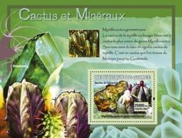 Guinea 2007 MNH - Cactus Et Mineraux / Cactus And Minerals. YT 553, Mi 4756/BL1210 - Guinea (1958-...)