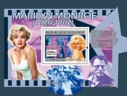 Guinea 2007 MNH - CINEMA: Marilyn Monroe: Sept Ans De Reflexion. YT 642, Mi 5007/BL1341 - Guinea (1958-...)