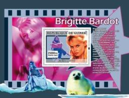 Guinea 2007 MNH - CINEMA: French Stars Females: Brigitte Bardot, The Animals Protection. YT 654, Mi 4995/BL1329 - Guinea (1958-...)