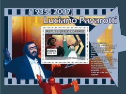 Guinea 2007 MNH - MUSIC: Luciano Pavarotti: Entre 1992 Et 2002. YT 683, Mi 4934/BL1307 - Guinea (1958-...)