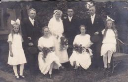 AK Foto Hochzeit Brautpaar Mit Brautjungfern Und Kindern - 1924 (44246) - Hochzeiten