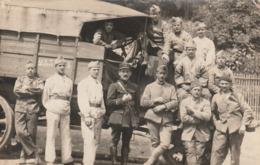 Très Rare Photo Carte Groupe De Militaires Numéro De Col 83 Avec Camion Baché N°233....1 - 1914-18