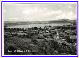 23550   CPM :  ENNA  ; Le Village Et Le Lac Pergusa ! Il Villagio E Il Lago Pergusa ! Superbe Carte Photo !!! - Enna