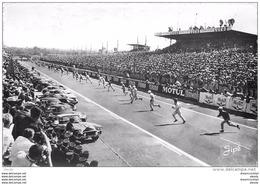 Photo Cpsm Cpm 72 LE MANS. Départ De La Course Pour 24 Heures 1966. Voitures Et Pilotes. - Le Mans