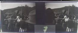 BISTRITA, Transylvania : Fête, Danses Sur La Place, Début XXe. Plaque Verre Stéréoscopique, Négatif. Transylvanie - Glass Slides