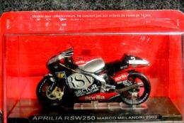 Moto APRILIA RSW 250 Marco MELANDRI 2002 - 1/24 - NEUF Sous Blister Et Carton - Motorcycles