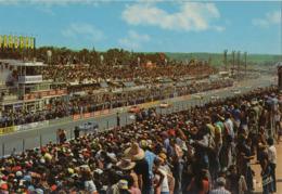 72 . LE MANS . CIRCUIT DES 24 HEURES - Départ De La Célebre Course Automobile - Le Mans