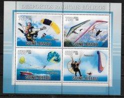 GUINEE BISSAU Feuillet  N° 3585/88 * * ( Cote 16e ) Parachutisme Delta Plane Paramoteur - Fallschirmspringen
