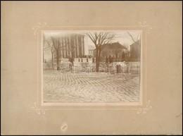 Cca 1900 Vác, A Székesegyház Előtti Tér A Székesegyház Részletével, Fotó, Kartonra Ragasztva, 8,5×11,5 Cm - Other Collections