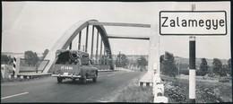 1967 Zala Megye, Zala Híd, Sajtófotó, Felületén Törésnyom, Szakadás, 10×21,5 Cm - Other Collections