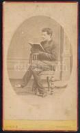 Cca 1880 Fiatal Férfi Műtermi Portréja Veress Ferenc (1832-1916) Kolozsvári Műterméből, Dombornyomott Porcelánkép Utánza - Other Collections