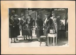 Cca 1930 Budapest, Az Országos Gyermekvédő Liga Gyűjtése, Kartonra Ragasztott Fotó, 12×17 Cm - Other Collections