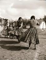 Cca 1960 Néprajzgyűjtő Fotós Vintage Felvételei Tánclépésekről, Figurákról, Viseletekről, Cca 130 Db Vintage Negatív, 6x - Other Collections