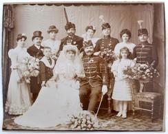 Cca 1890 Esküvői Csoportkép, Kartonra Ragasztva, 25x31 Cm - Other Collections