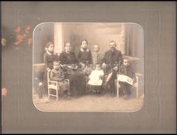 Cca 1910 Szentes, Hegedűs V. Utódának Műtermében Készült, Vintage Családi Fotó, Hidegpecséttel Jelzett, 20x25 Cm, Dombor - Other Collections