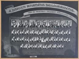 1952 A Debreceni Református Theológiai Akadémia 1951-1952 Tanévben Végzett Hallgatói, Tablófotó, üvegezett Fa Keretben,  - Other Collections