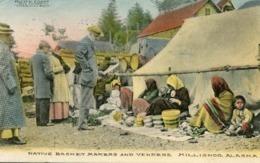 KILLISNOO - ALASKA - NATIVE BASKET MAKERS And VENDERS - - Indiens De L'Amerique Du Nord