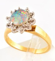 Arany és Fehérarany (14 K) Gyűrű, Jelzett, Természetes Opállal (0,6 Ct) és 10 Db Cca 0,10 Ct Brillel, Méret:55, Bruttó:  - Unclassified