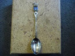 CUILLERE 12,5 Cm En  Métal Argenté Des SABLES D'OLONNE (85) - Spoons
