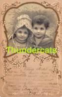 CPA LITHO ILLUSTRATEUR FILLE ENFANT  CHILD GIRL ( PLI D'ANGLE - CORNER CREASE ) - Autres Illustrateurs