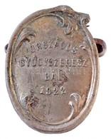 1922. 'Országos Gyógyszerész Bál 1922' Fém Lemezjelvény (35x26mm) T:2 Cserélt Tű / Hungary 1922. 'Országos Gyógyszerész  - Zonder Classificatie