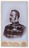 Procopius Béla (1868-1945) Numizmatikus Huszáregyenruhás, Keményhátú Fotója, Valamikor 1900 Után  (108x66mm) / Photo Of  - Zonder Classificatie