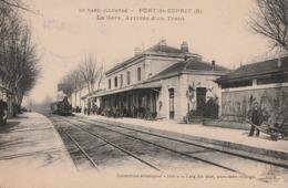 PONT SAINT ESPRIT - LE TRAIN ARRIVE EN GARE - BELLE CARTE - ANIMATION SUR LE QUAI -  UR LE QUAI - 2 SCANNS - TOP !!! - Pont-Saint-Esprit