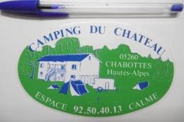 Autocollant Stickers - Camping Du Château à CHABOTTES 05 HAUTES-ALPES - Autocollants