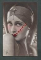 Portrait De Femme Avec Turban Et Bijoux.  Photo Colorisée à La Main. N°107,  Photographe J. Mandel.   Année 1929. 2 Scan - Illustrateurs & Photographes