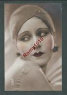 Portrait De Femme Avec Turban. Photo Colorisée à La Main. N°132  Photographe J. Mandel.   Année 1929. 2 Scan - Illustrateurs & Photographes